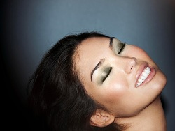 green eye shadow on asian skin tone