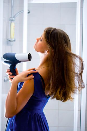 blow dry hair