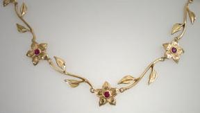 greenkarat woodrose necklace