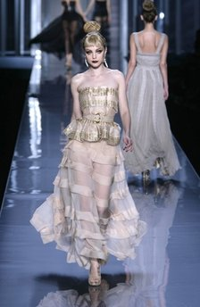 Model At Dior Spring 2009 Runway show