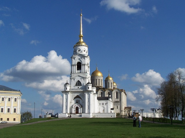 Church-Hopping at Vladimir