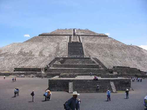 A Tour Around Teotihuacan Pyramids