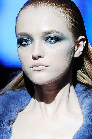The Best Ways to Wear Blue Eye Shadow