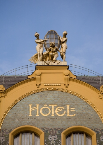 How to Judge a Hotel by Its Web Site