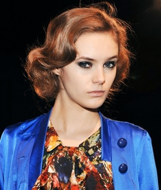 Beauty Trend: 80s Scenester Look