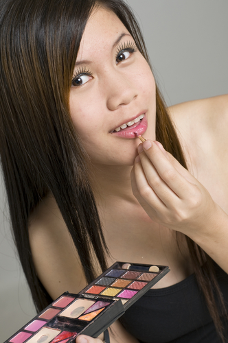 Choosing The Best Makeup for Asian Skin Tones